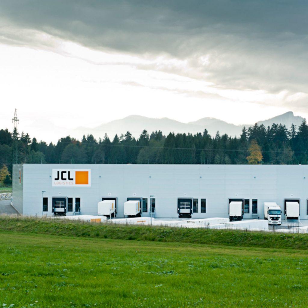 Verkauf der JLC Logistikzentren Oberwang in Österreich.